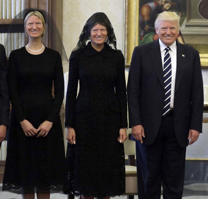 ترامب وميلانيا وايفانكا مضحكة