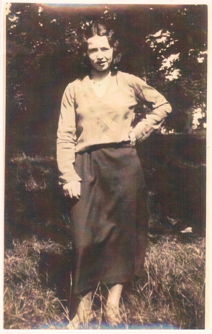 Teenage Grandmother (sexy For Ireland Circa 1920's)