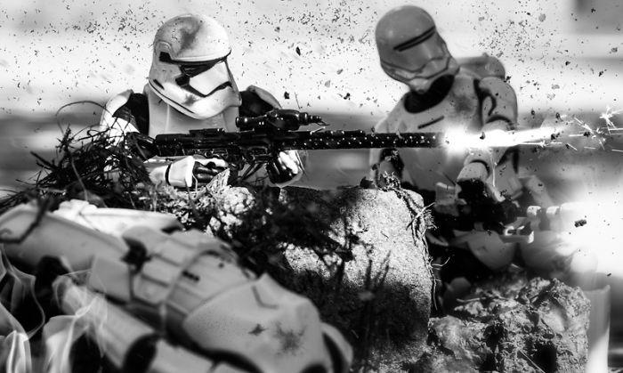 Artist Creates Amazing Battle Scenes Using Star Wars Toys