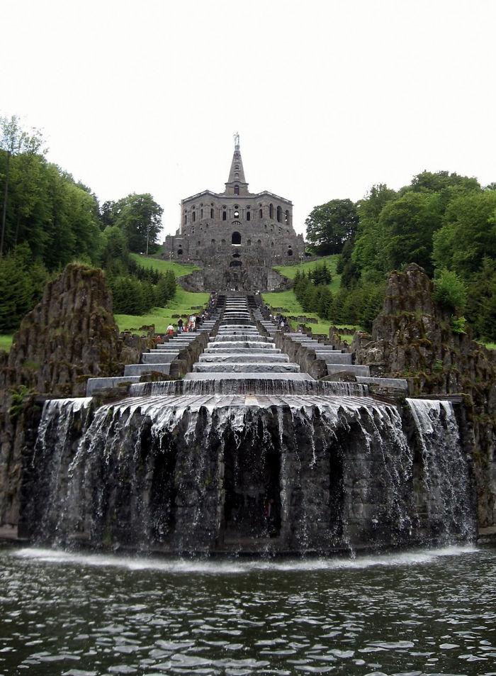 Cascadas del monumento a Hércules, Kassel, Alemania
