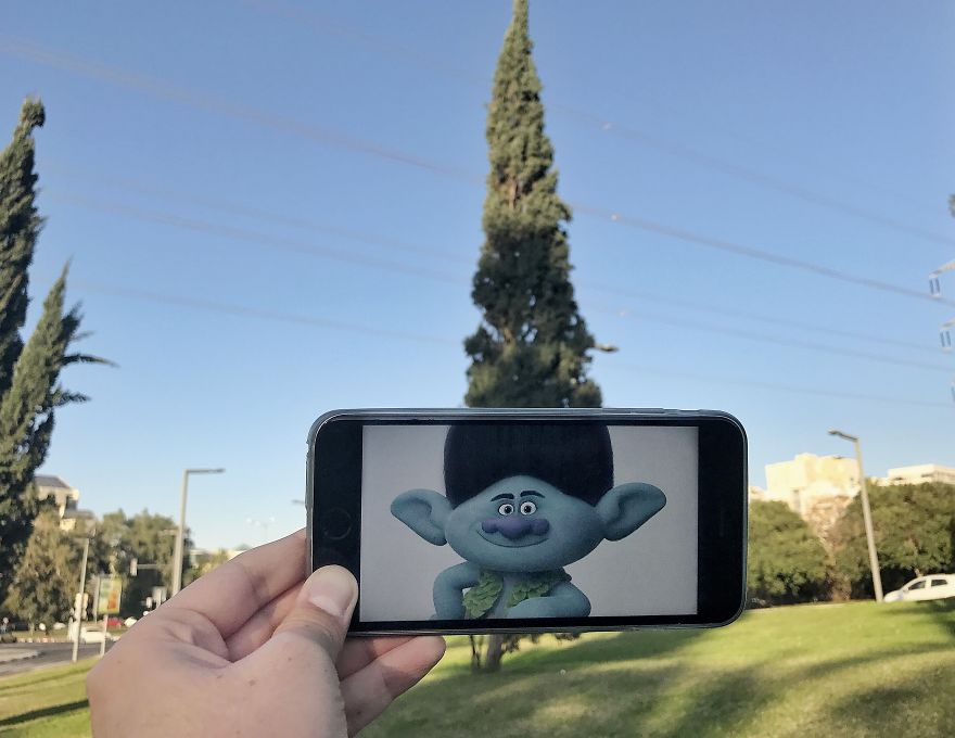 I Bring Everyday Objects To Life By Adding A Twist To Them Using My Phone (part 4)