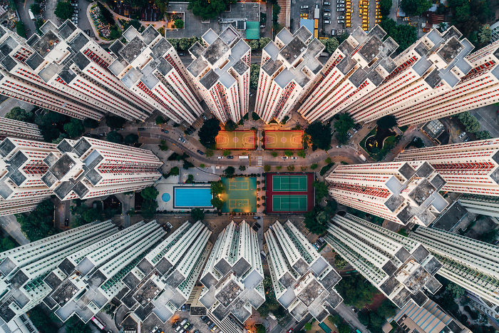 I Photographed The Claustrophobic Living In Hong Kong From Above