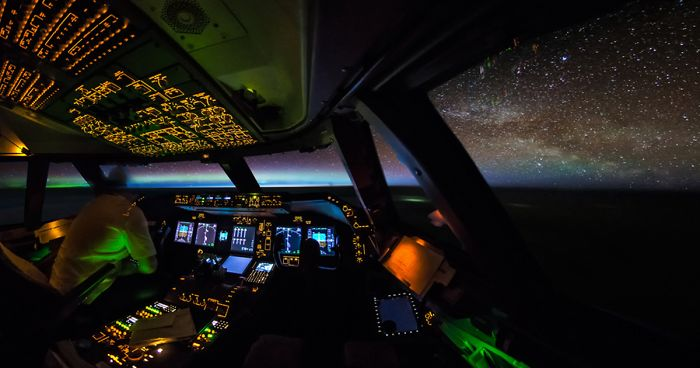 747 Pilot Takes Stunning Photos From His Cockpit, Proves That Pilots Have The Best Office Views In The World