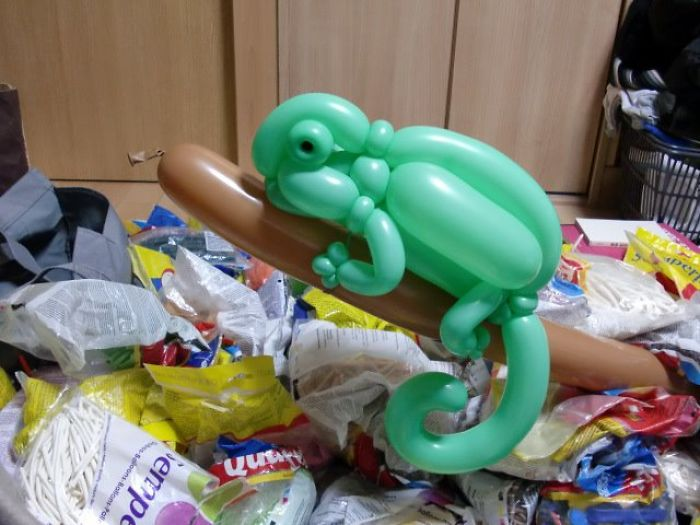 Chameleon figuras hechas con globos inflables