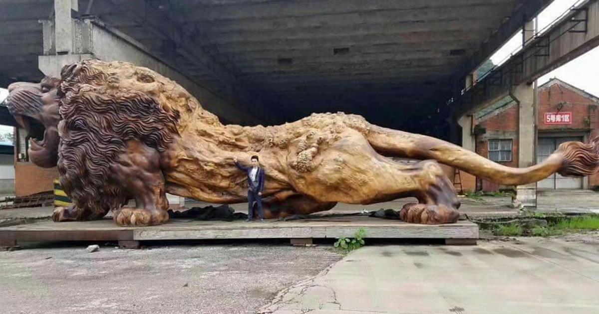 carved-wooden-giant-lion-sculpture-fb.pn