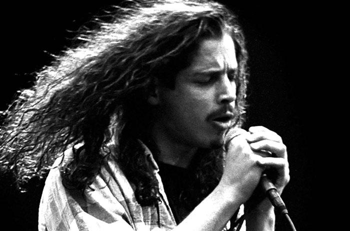 """Alguien ha aislado la voz de Chris Cornell cantando """"Black Hole Sun"""", y tienes que oirlo"""