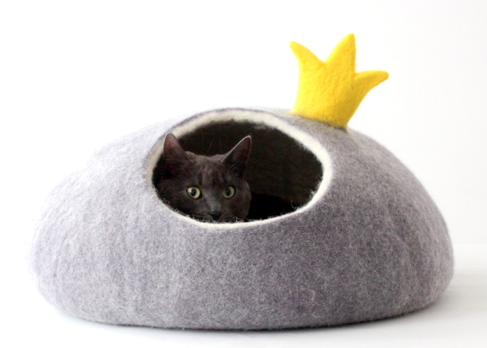 We Make Cat Beds From Fairy-Tales