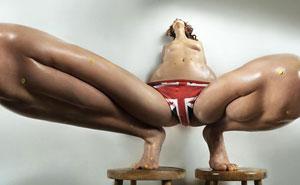 Esta serie de fotos NSFW exploran la belleza corporal femenina desde una perspectiva nunca vista