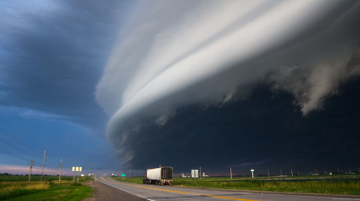 Storm Chaser Mike Hollingshead And His Jaw-Dropping Photos