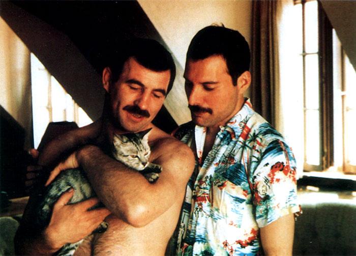 10+ Raras fotos de Freddie Mercury y su novio en los 80 que muestran su lado menos visto