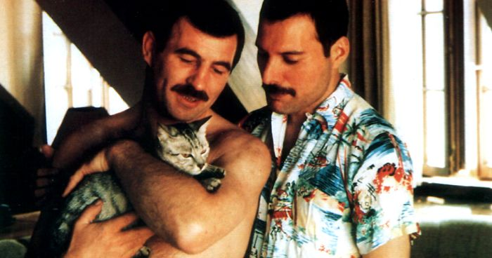 26 Rare Pics Of Freddie Mercury And His Boyfriend From 1980s Reveal