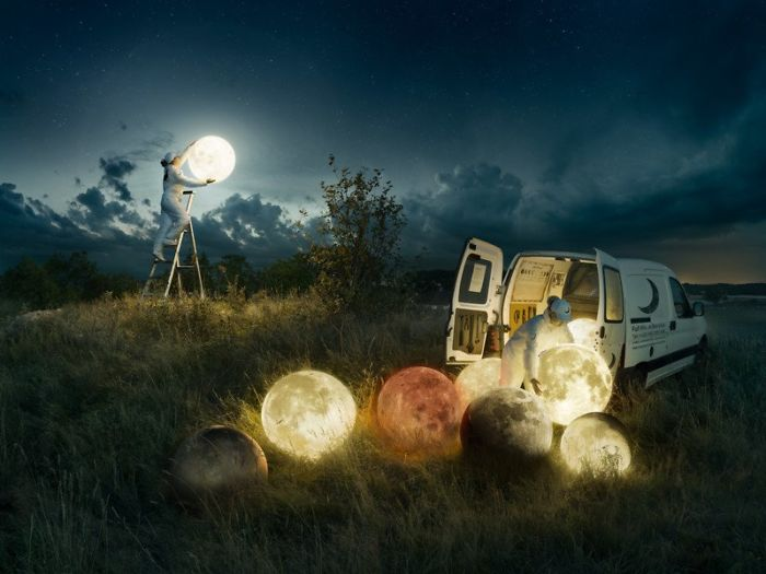 Creating A Conceptual Photo Of The Full Moon