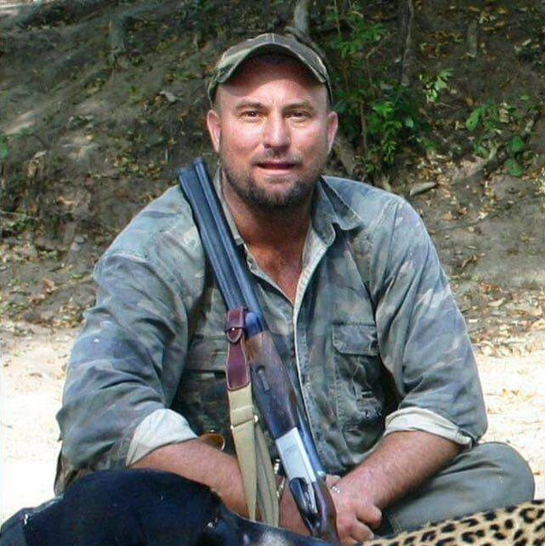 hunter dies crushed shot elephant theunis botha 59229152bc11e  605 - Elephant Just Killed Big Game Hunter During His Hunt In Africa