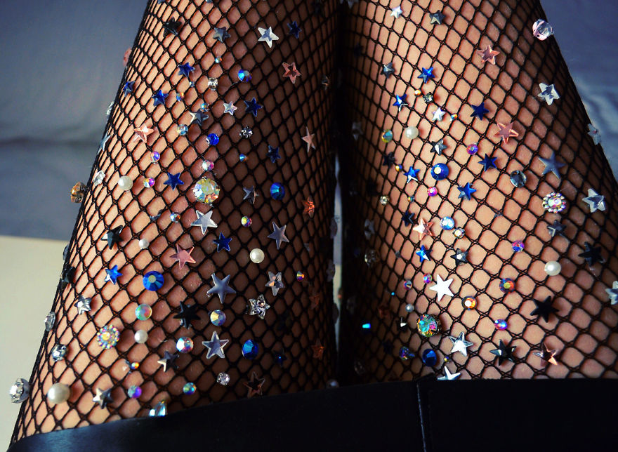 Art-fishnets-tights-lirika-matoshi