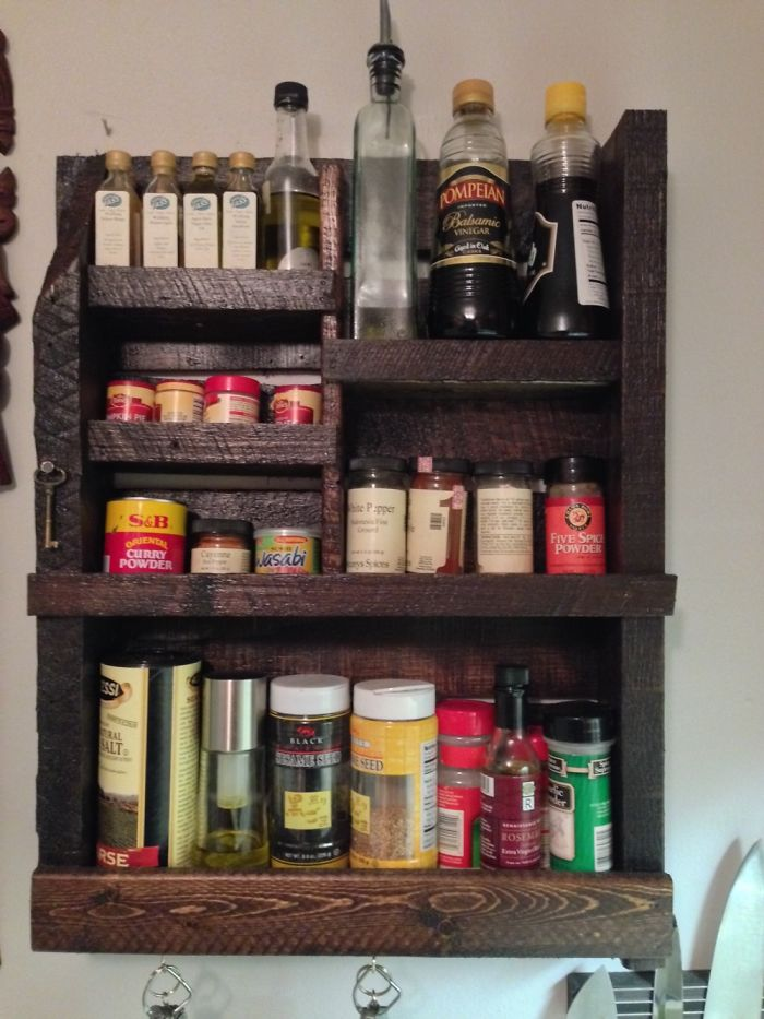 1/2 Pallet Spice Rack
