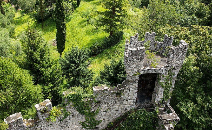 italy-gives-away-free-castles-3-591eb3003e4d6__880.jpg