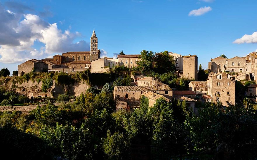 italy-gives-away-free-castles-591ee0c45a48b__880.jpg