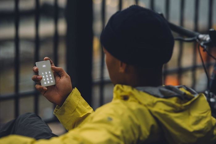 minimalist-light-phone-mobile-design-joe