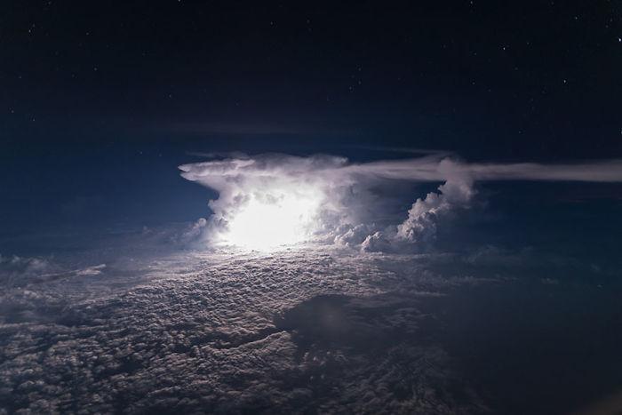 Tormenta sobre la Amazonia colombiana