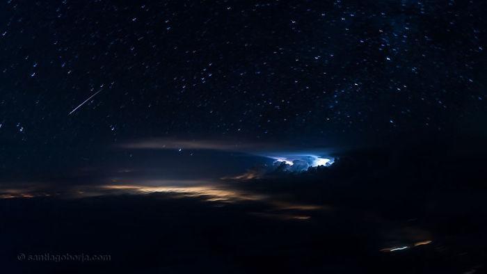 Estrella fugaz sobre el Atlántico, al norte de Panamá