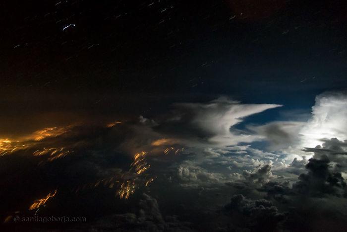 Hora de la tormenta sobre Amazonia