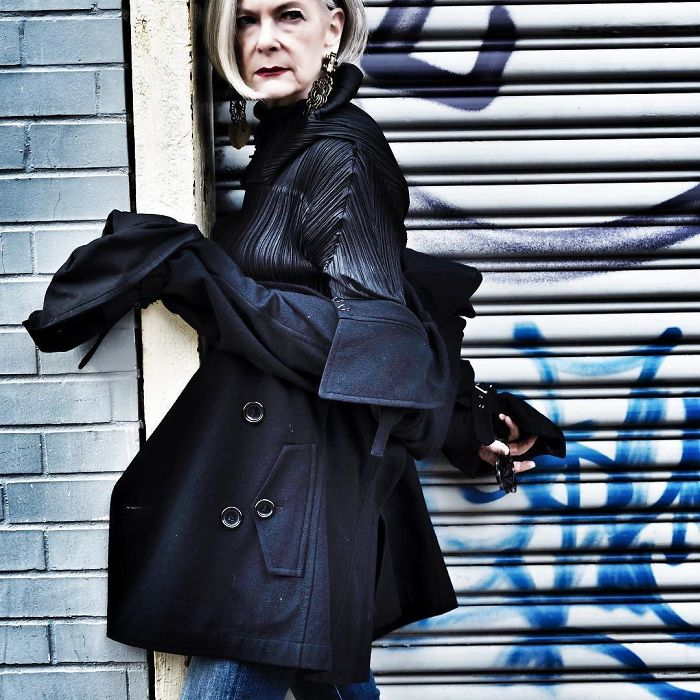 Journalists Accidentally Confuse A 63-Year-Old Teacher With A Fashion Icon And It Ends Up Changing Her Life