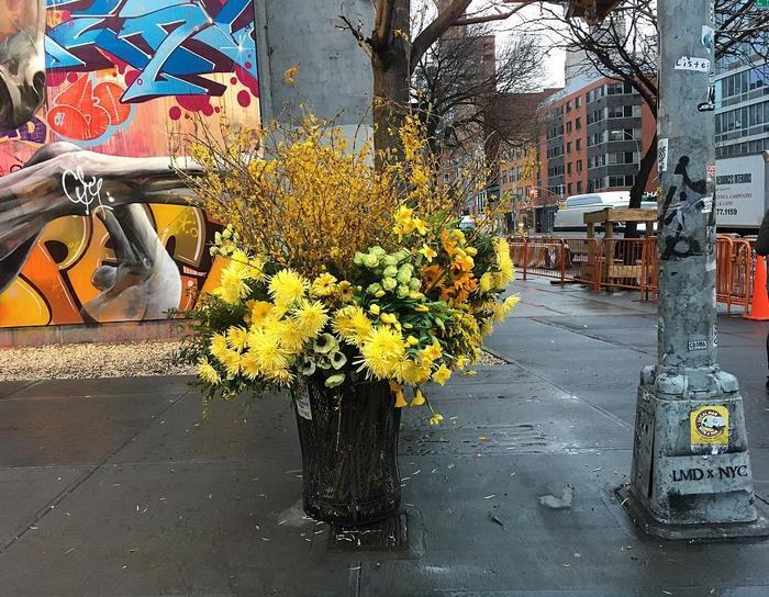 trash-cans-flowers-new-york-lewis-miller-5