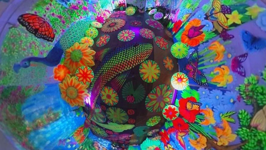 I Create Mind-Blowing 3d Blacklight Art Installations