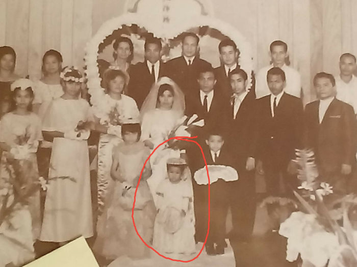 1968 Wedding.... I Was D Flower Girl.... I'm Only 3 That Time... W00h... I'm A Grandma Now!!!