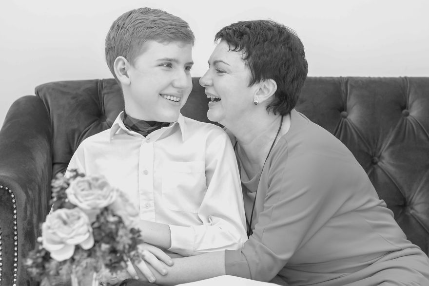 I Took Photos Of Moms And Their Children With Special Needs To Show Their Love To Each Other