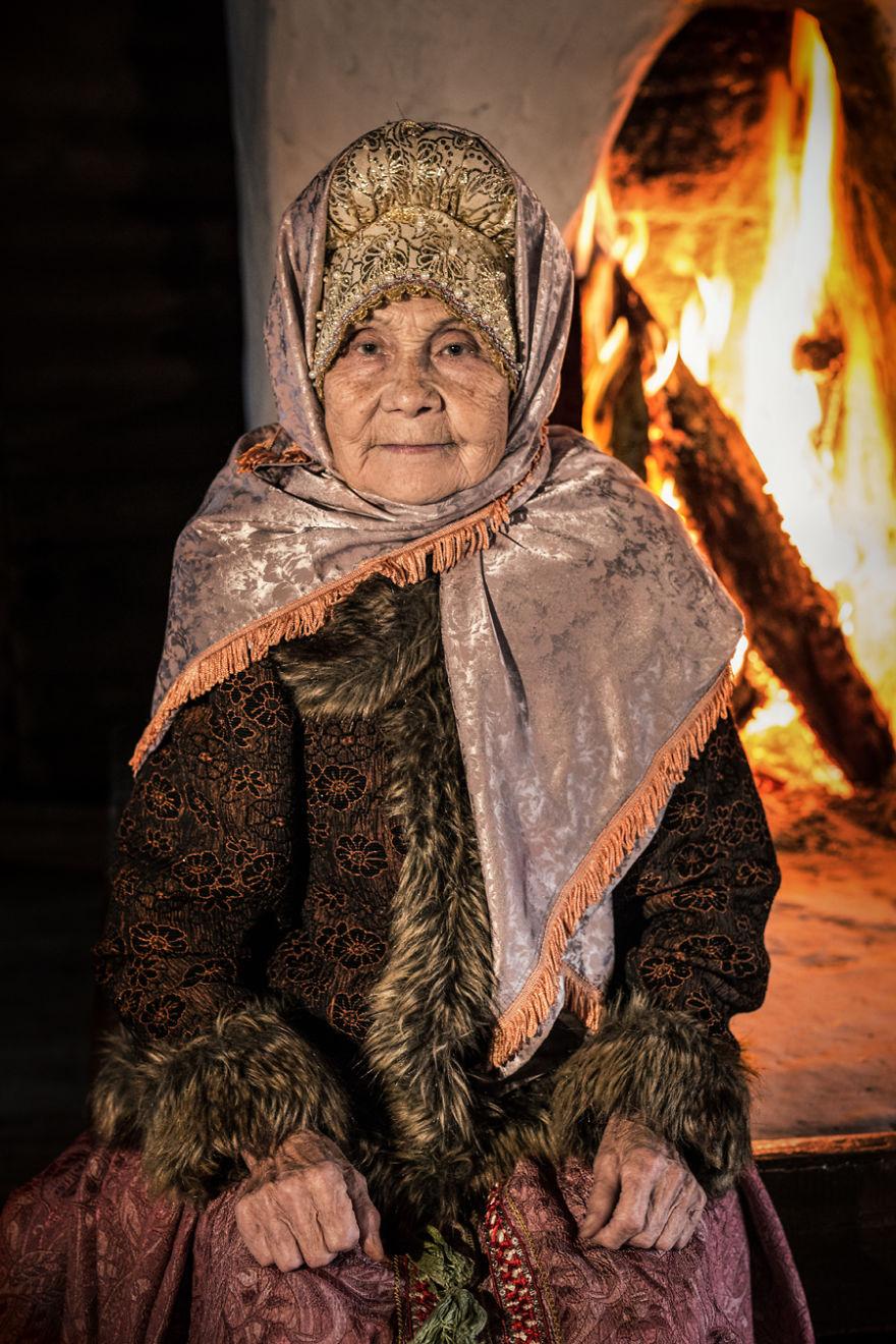 Russkoustintsy Woman