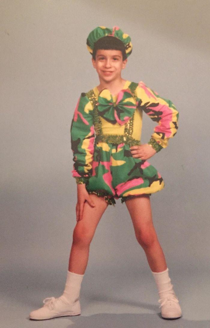 A los 8 años en el club de danza