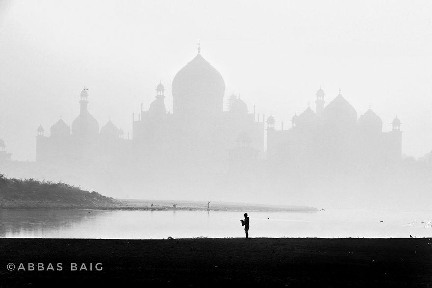 Tajmahal In Mist