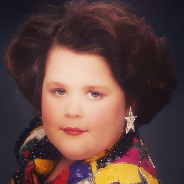 Facebook Friend Posted Her Childhood Glamour Shots