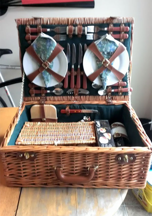 Unused Picnic Set With Wine Glasses And A 12 Year Old Bottle Of Wine. $15