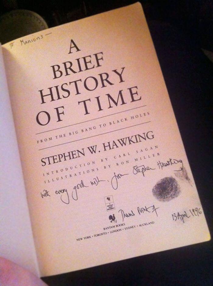 """Libro """"firmado"""" por Stephen Hawking, 99 centavos"""