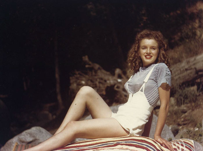 46 Rare Marilyn Monroe Photos Reveal Her Life Before She Was Famous