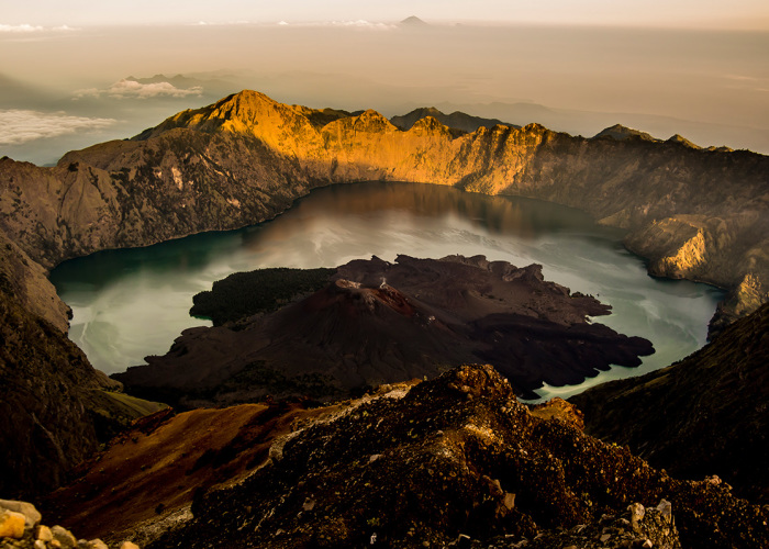 I Captured The Most Beautiful Views During  Volcano Rinjani Trekking