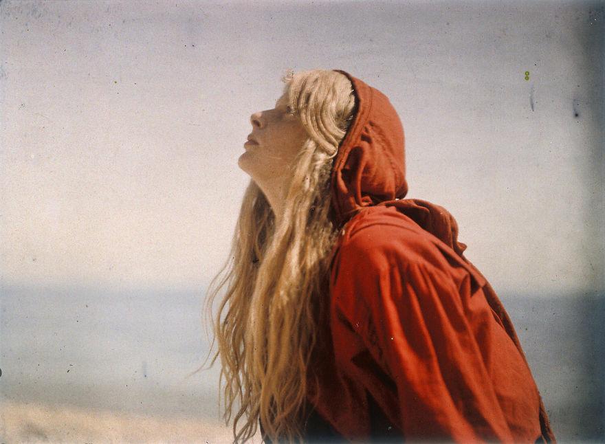 Christina In Red, 1913