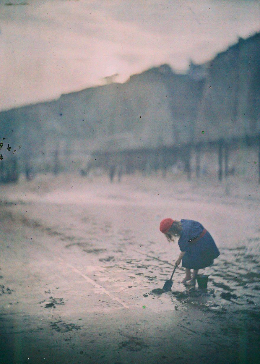 The Last Digger, 1910