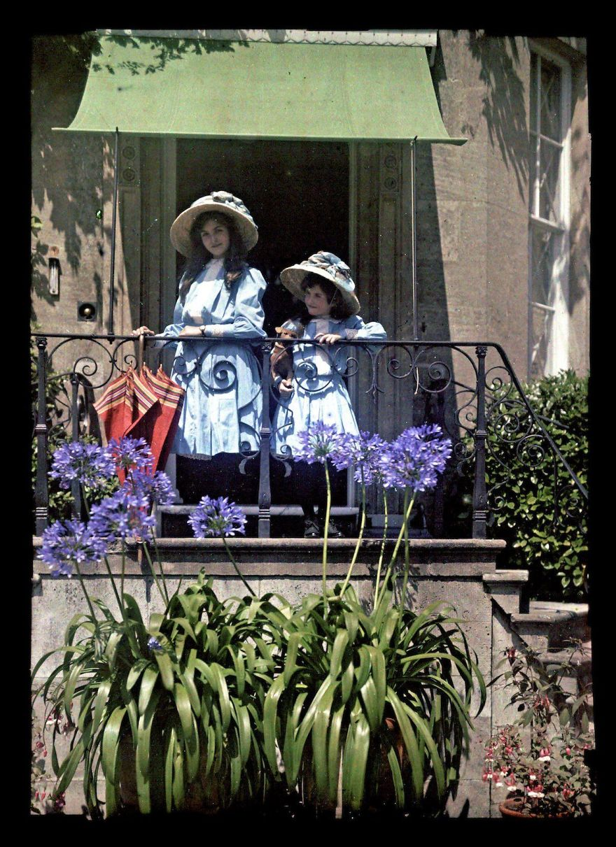 Two Girls On A Balcony, 1908