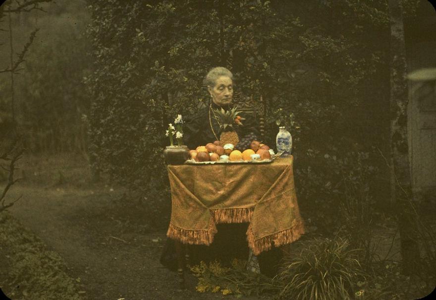 Lady And Fruit Dish, 1920