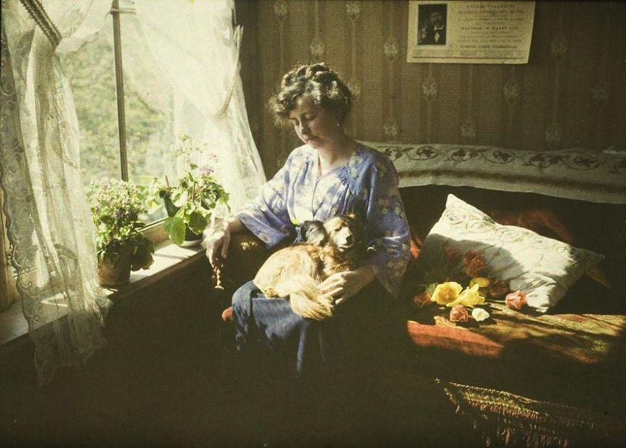 Musing (Mrs. A. Van Besten), C. 1910