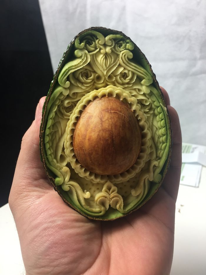 this avocado took me only 1 hour to hand