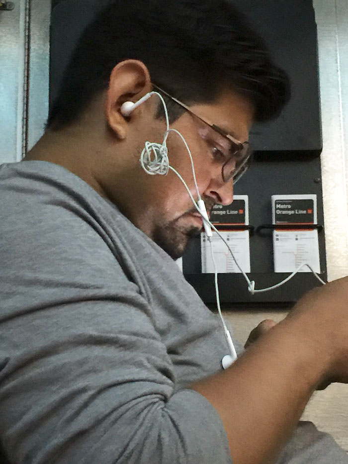 This Guy's Earbuds Situation Is Bothering Me On A Deep Personal Level