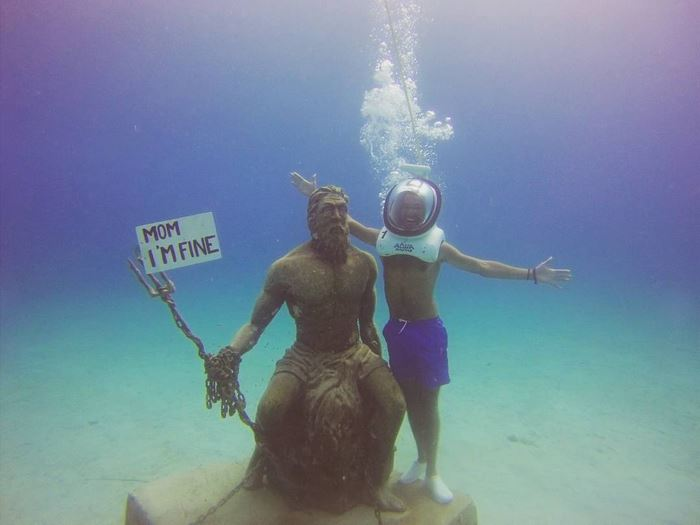 Guy Quits Job To Travel The World While Assuring His Mom Hes Fine - Guy photographs his girlfriend as they travel the world