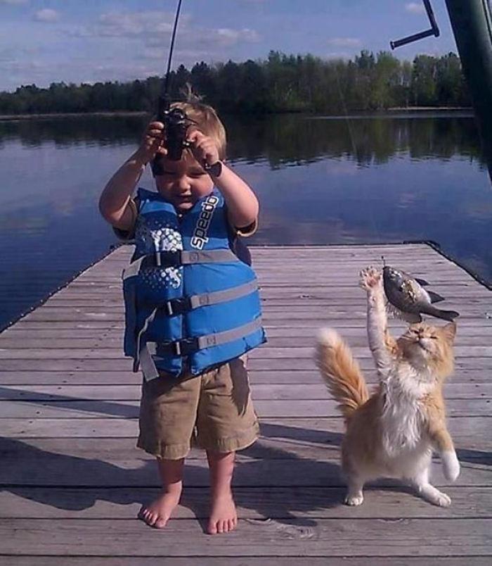 Robándole a un niño