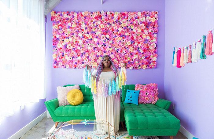 Esta mujer tiene un apartamento tan colorido que daría envidia hasta a los unicornios