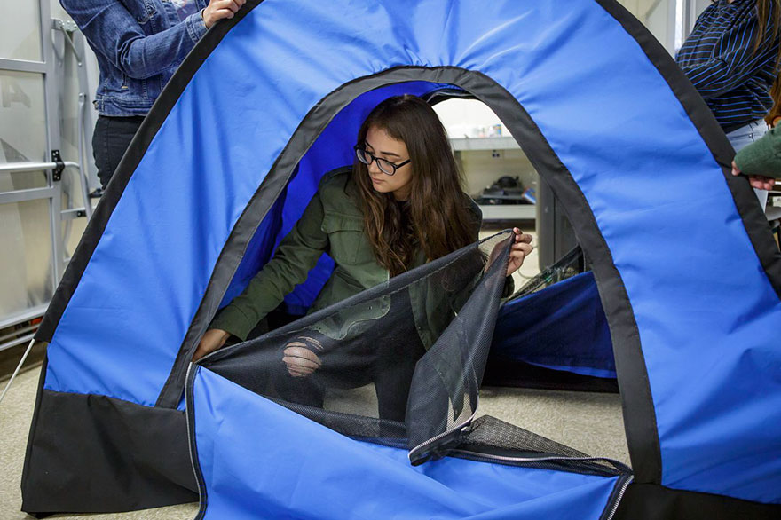 solar-powered-tent-invention-homeless-teen-girls-26