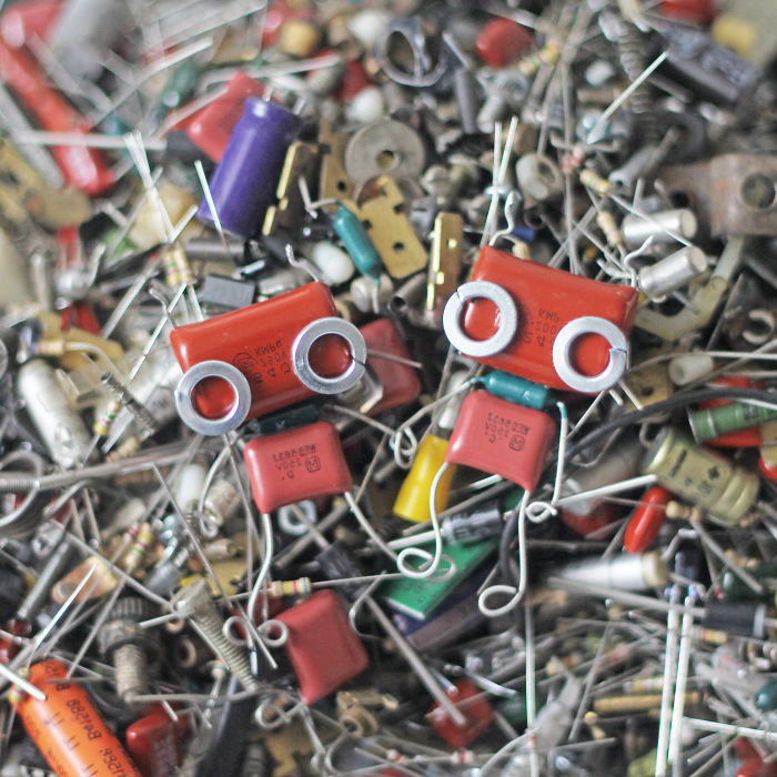 I Turned Electronic Waste Into Tiny And Biggie Robots (Part 3)